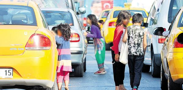 100-000-beggar-children-live-in-istanbul-6560925